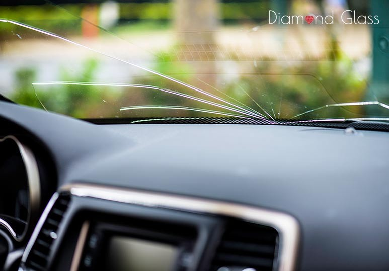 How to Tell If You Need a Windshield Repair vs Replacement
